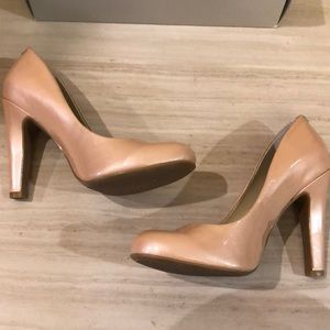 Jessica Simpson Powder Pearlized Patent Pumps